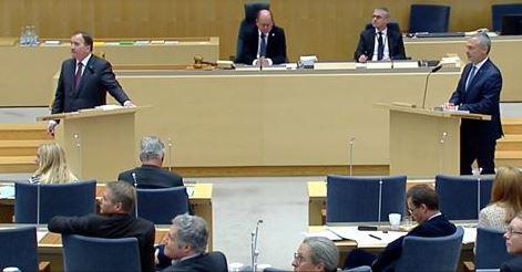 Har avbryts partiledardebatten av aktivister